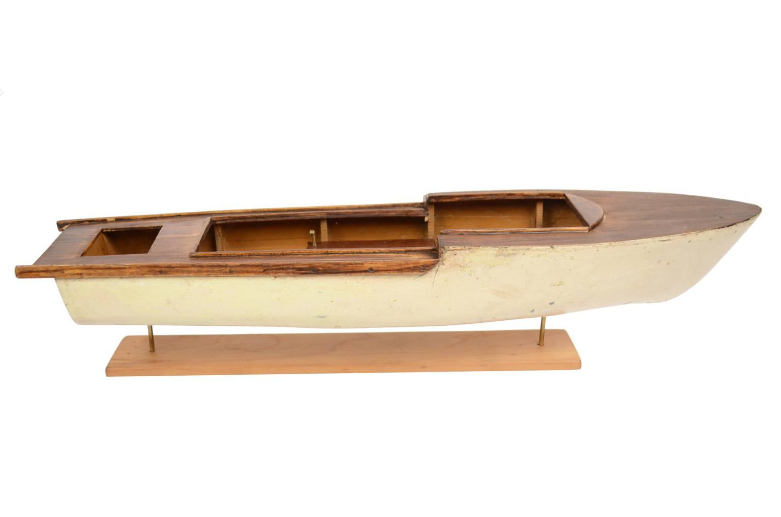 Modelli di navi d'epoca/4635A-Modellino motoscafo