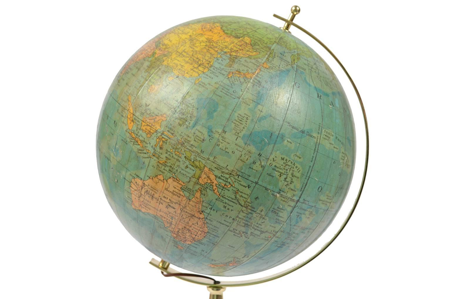 Globi-mappamondi antichi/6239-Globo con luce