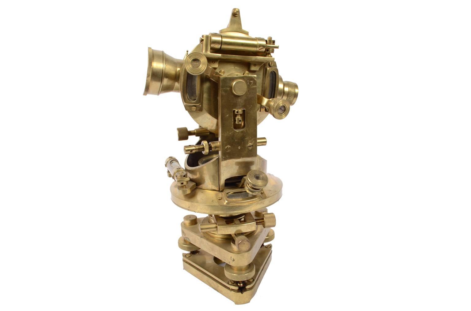 Strumenti di misura antichi/A64-Teodolite Stanley London