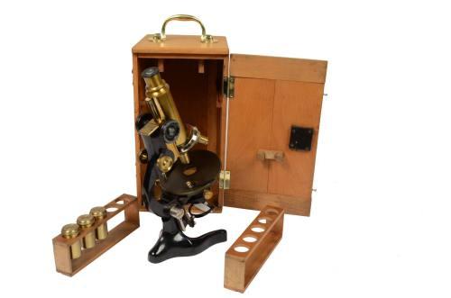 古医疗器具/491A-黑色漆黄铜制成的显微镜/更多信息