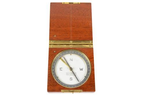 Antique compasses/5194-Travel compass/More info