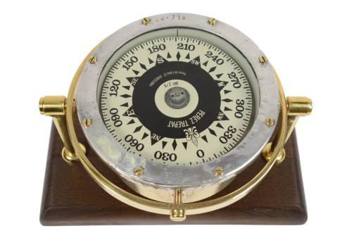 Antique compasses/6350B-Spanish compass/More info