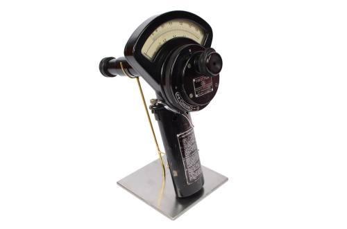 Strumenti di misura antichi/A83-Pirottico 1950/Più info